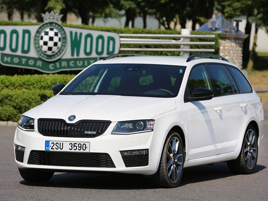 skoda octavia autotest skoda octavia rs combi speelt de. Black Bedroom Furniture Sets. Home Design Ideas