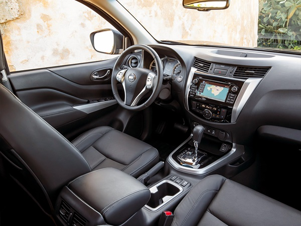 Nissan Navara double cab 2.3dci n-connecta 4wd 120kW