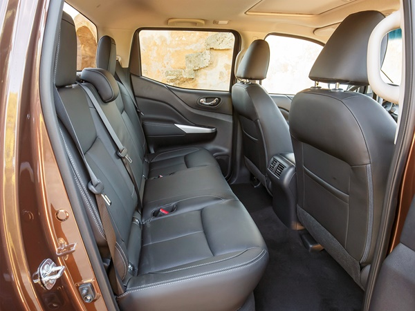 Nissan Navara double cab 2.3dci n-connecta 4wd 140kW