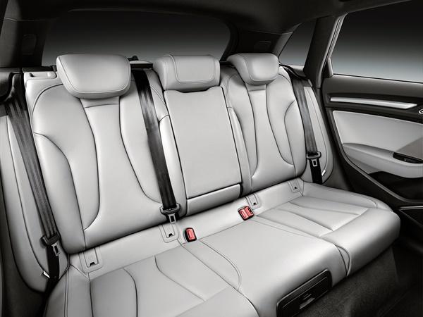 Audi A3 sportback* 30tfsi advance 85kW