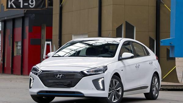 Hyundai IONIQ*