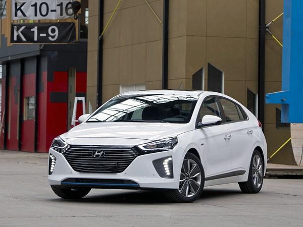 Hyundai IONIQ 1.6gdi hev premium 103kW aut