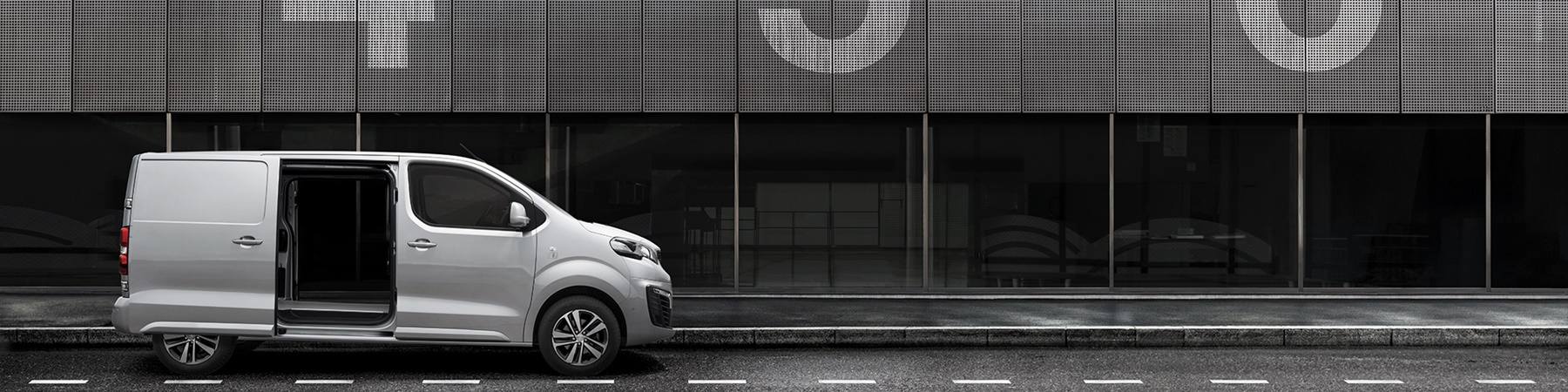 Peugeot Expert Combi  50kWh 196 km actieradius