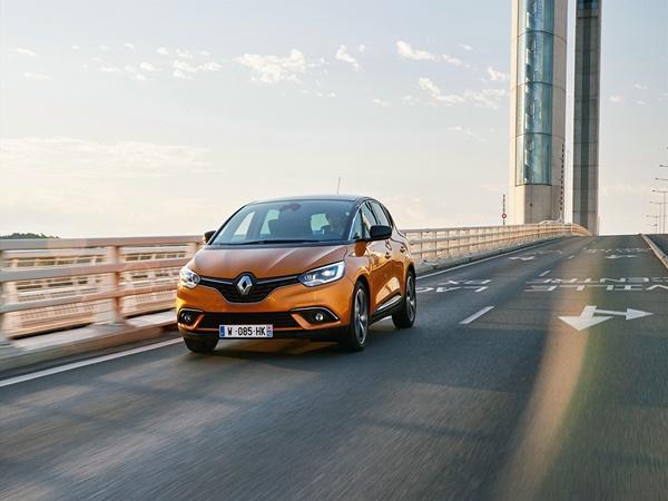 Renault Scénic 1.3tce limited 103kW edc aut