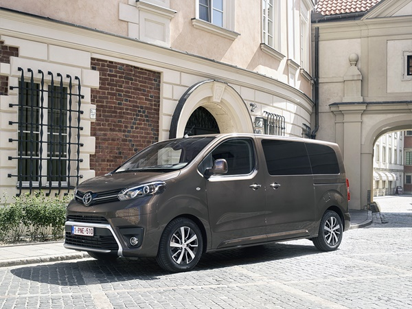 Toyota ProAce 1.5d-4d verso medium active 88kW