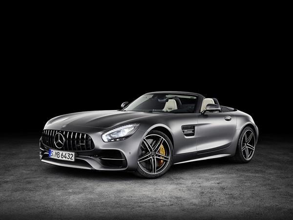 Mercedes AMG-GT Roadster*