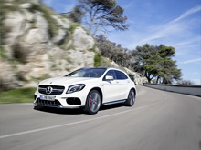 Mercedes-Benz GLA 5d