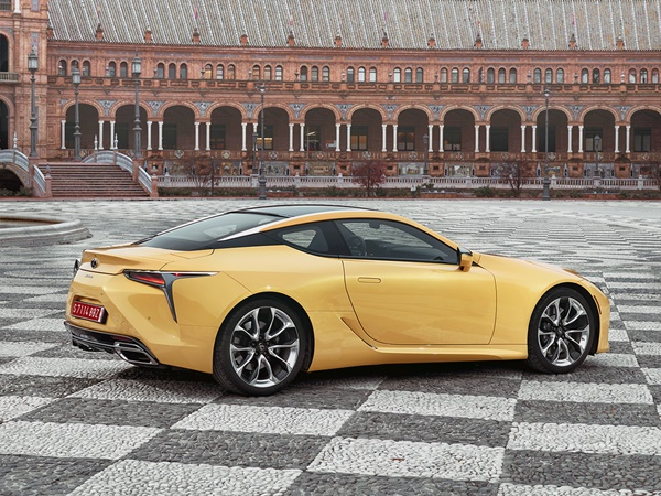 Lexus LC 500 flare yellow edition 351kW aut