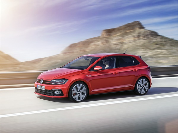Volkswagen Polo 1.0tsi highline business r 81kW dsg-7 aut