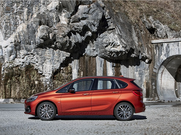 BMW 2-Active Tourer 218i corporate executive 103kW aut