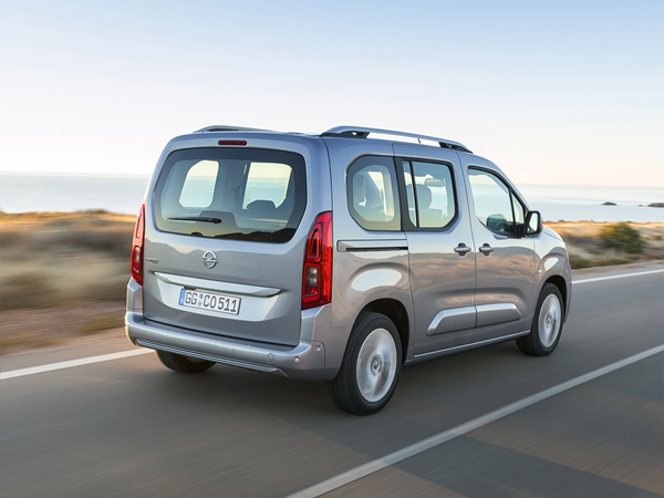 Opel Combo Tour 1.5cdti l2h1 edition 75kW 5p