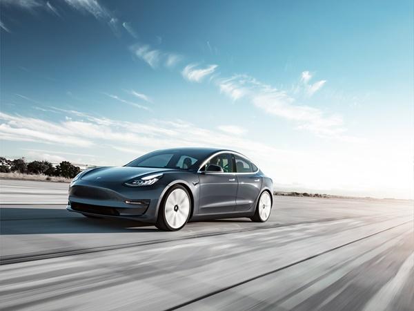 Tesla Model 3 75kWh ev long range awd 258kW aut