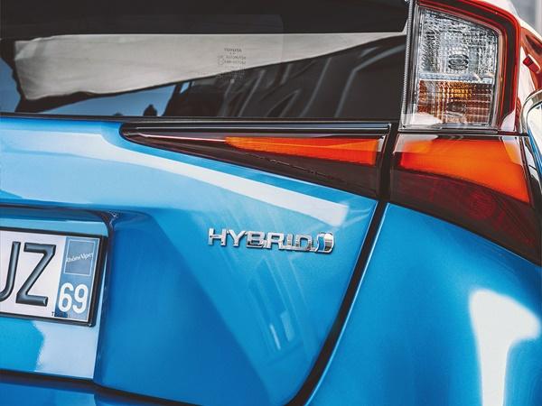 Toyota Prius 1.8 hev dynamic 90kw aut