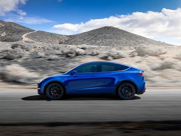 Tesla Model Y 75kWh ev performance 340kW awd aut
