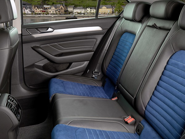 Volkswagen Passat 2.0tsi elegance business r 140kW 7-dsg aut
