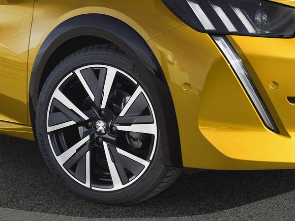 Peugeot 208 1.2 puretech gt-line 96kW eat8 aut