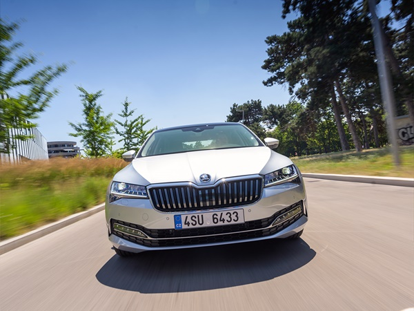 Skoda Superb 1.4tsi phev sportline business 160kW dsg-6 aut