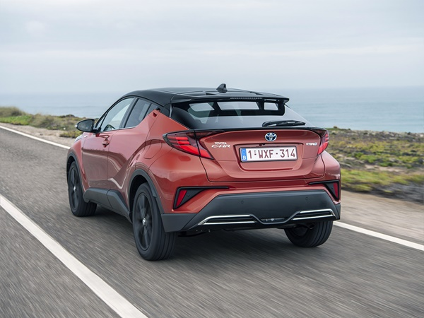 Toyota C-HR 1.8 hev executive 90kW cvt aut