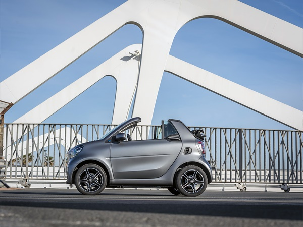 Smart Fortwo EQ cabrio 17.6kWh ev electric drive essential 60kW aut