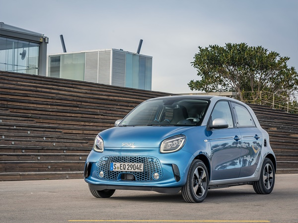 Smart Forfour EQ 17.6kWh ev electric drive essential 60kW aut